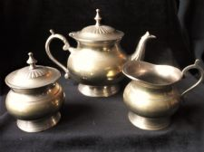 VINTAGE ELEGANT SILVER PLATED BRASS TEAPOT SUGAR BOWL & LID  & MILK JUG SET